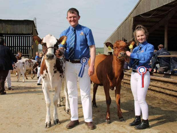 R to L Showmanship Champion Beth Murch and Reserve Champion Jake Sayer
